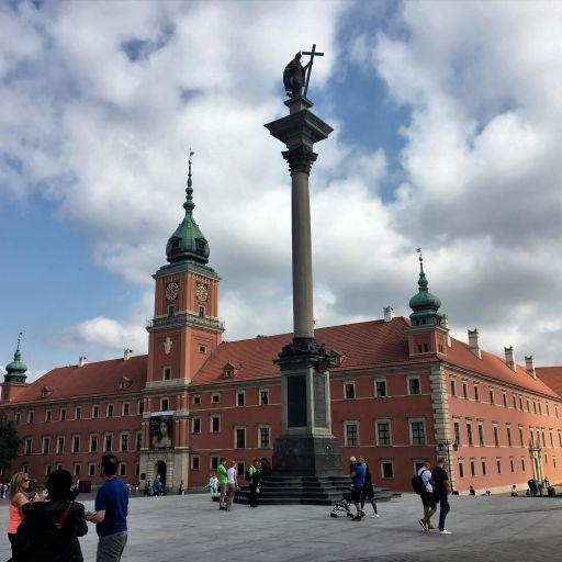polonia-varsovia-castelo-e-torre.jpg